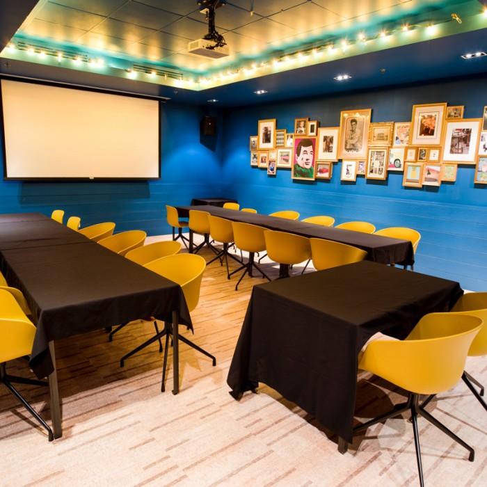 Location Salon Bleu 1